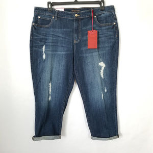 ae45dfee833 Jennifer Lopez Jeans - NWT Plus Size Jennifer Lopez Ripped Capri Jeans